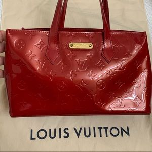 Authentic Louis Vuitton wilshire pm red vernis